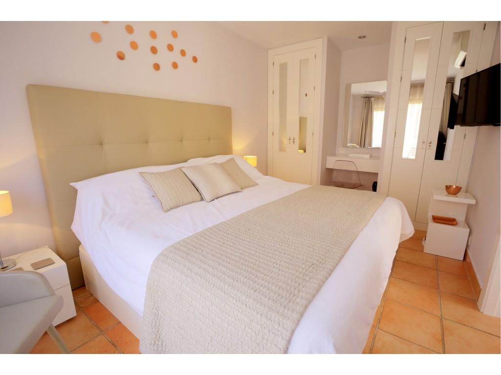 Harbour Lights-Bedroom1a